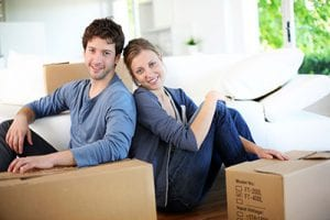 Renters Insuranc NC - couple with boxes